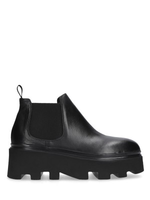 LOW BLACK ANKLE BOOTS