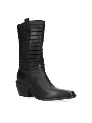 Texan black boot with cuts